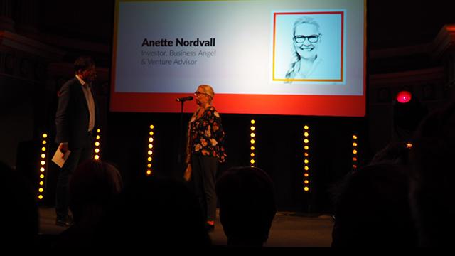 Anette Nordvall på scen