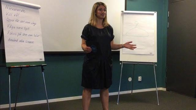 Annika Telléus föreläser