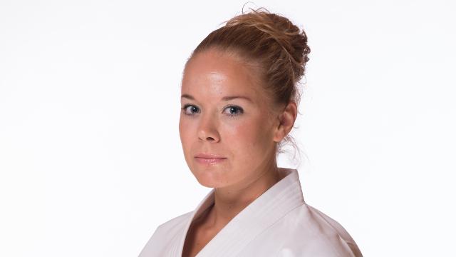 Karin Hägglund i karate dräkt