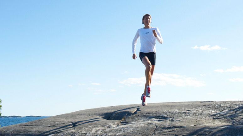 Malin Ewerlöf joggar