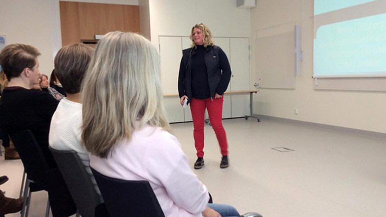 Ninni Länsberg föreläser