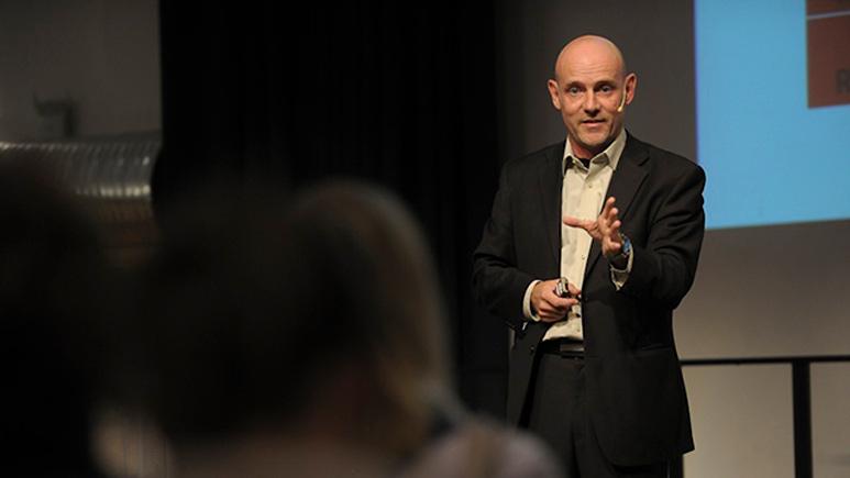 Tomas Lydahl föreläser