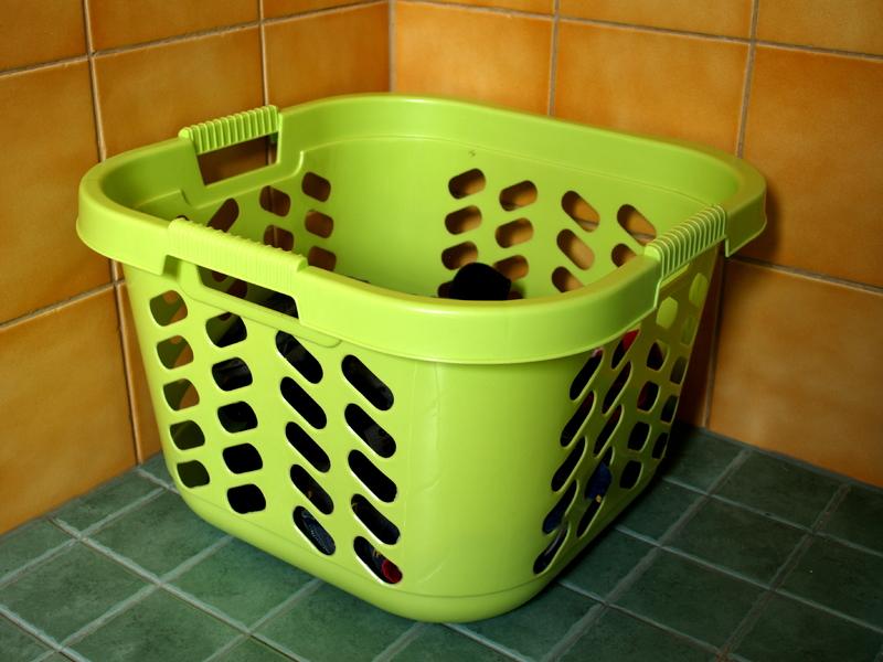 Grön tvättkorg